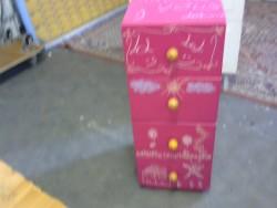 meuble rose 4 tiroirs
