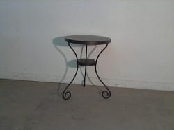 TABLE EN METAL