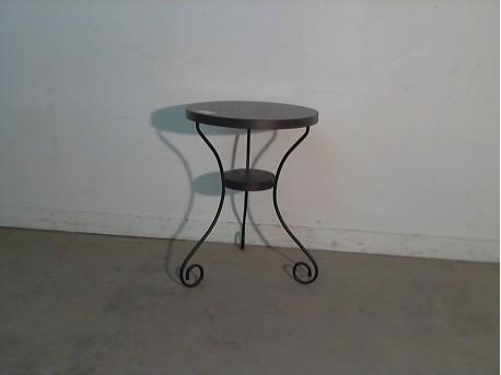 TABLE EN METAL
